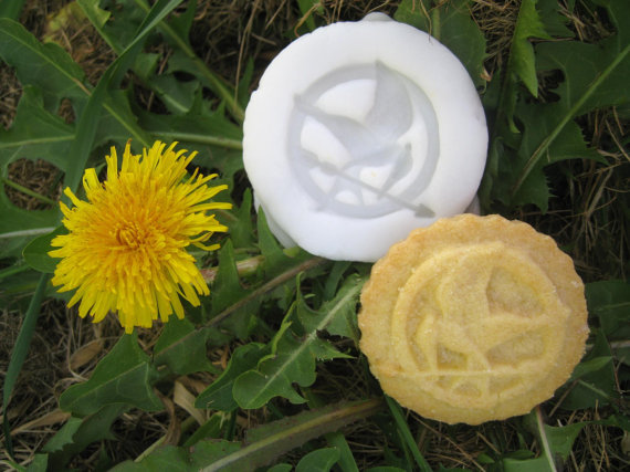 GIVEAWAY: Mockingjay Cookie Mold