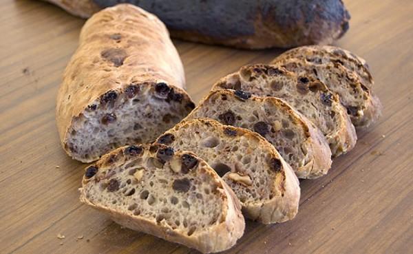 Peeta's Burnt Nut and Raisin Bread