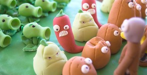 Plants-vs-Zombies-Cake